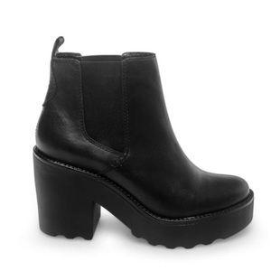 Steve Madden Gretta Black Leather Bootie